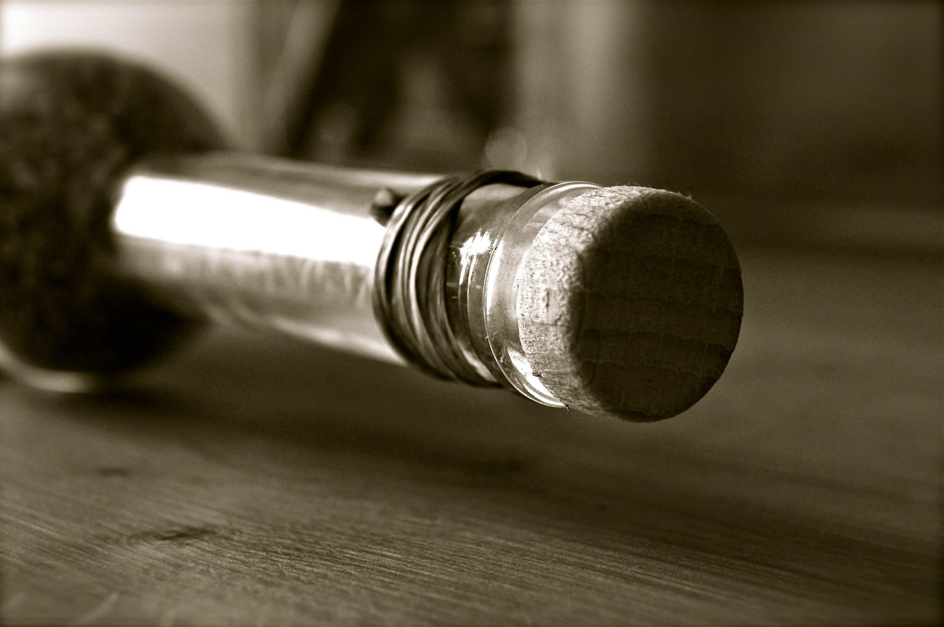 bottle-92418_1920.jpg